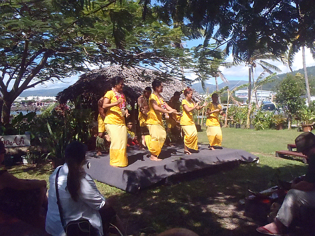 Folklore in Apia2